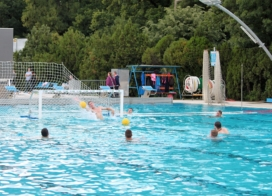 Kondi, úszás és már labdás gyakorlatok is főszerepben